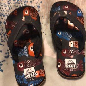 Little kid reef flip flops